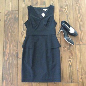 NWT Banana Republic LBD 6 Sleek & Structured Wool